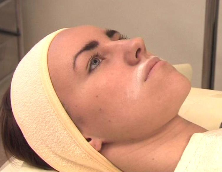 депиляция воском на лице